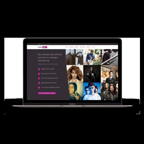 Ordinateur portable avec site music story